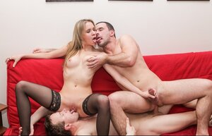 Bi-curious 3-way sex episode of two boymates and their mate with twat