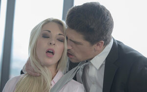 Unbelievable blonde secretary and well-hung boss have quickie on desk during break